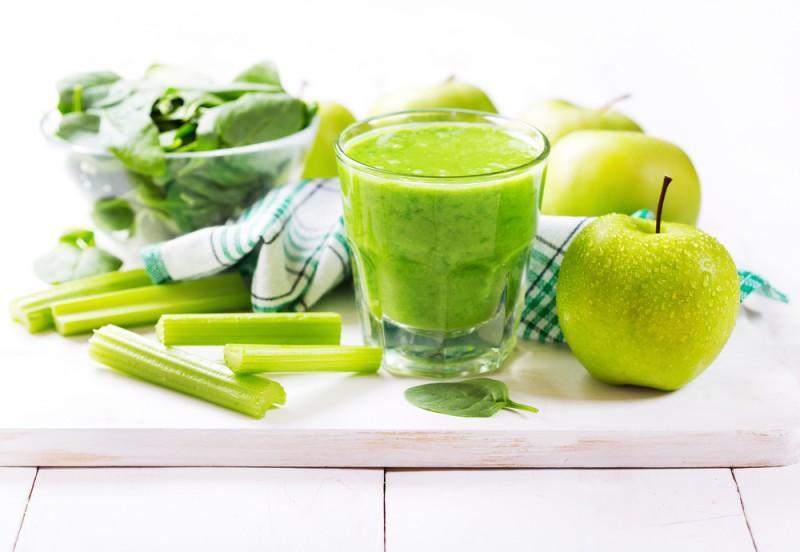 Jugo de espinaca y manzana verde